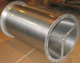 "External-fed 24"" diameter screen cylinder with flanges"